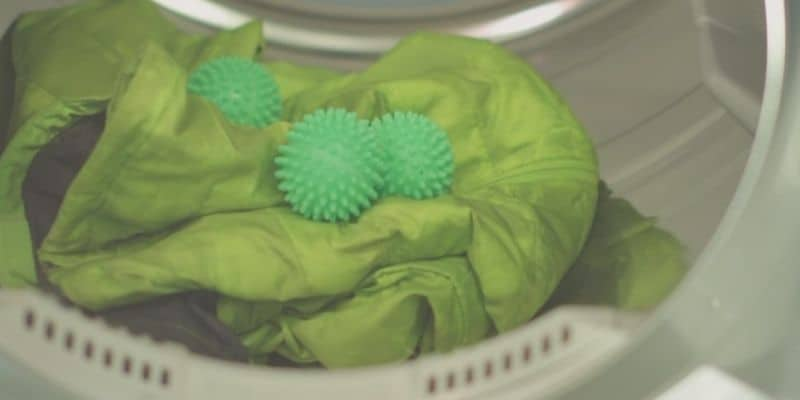 Laundry balls in the dryer